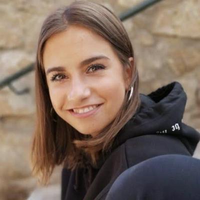 Lidia G.