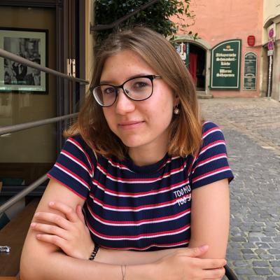 Ilona E.
