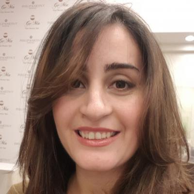KAMELIA T.